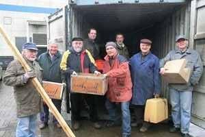 Prallvoller Container geht nach Paraguay